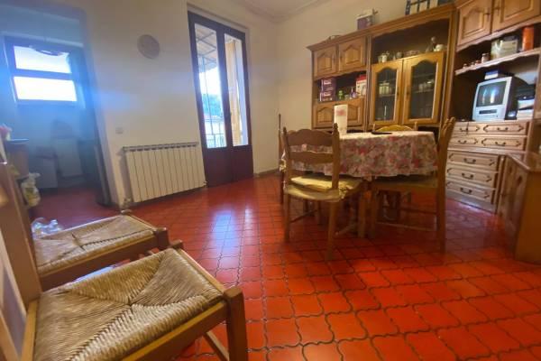Appartamento in Vendita a Follo La Spezia